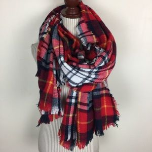 Accessories - 🆕NWOT Plaid Soft Chunky Scarf